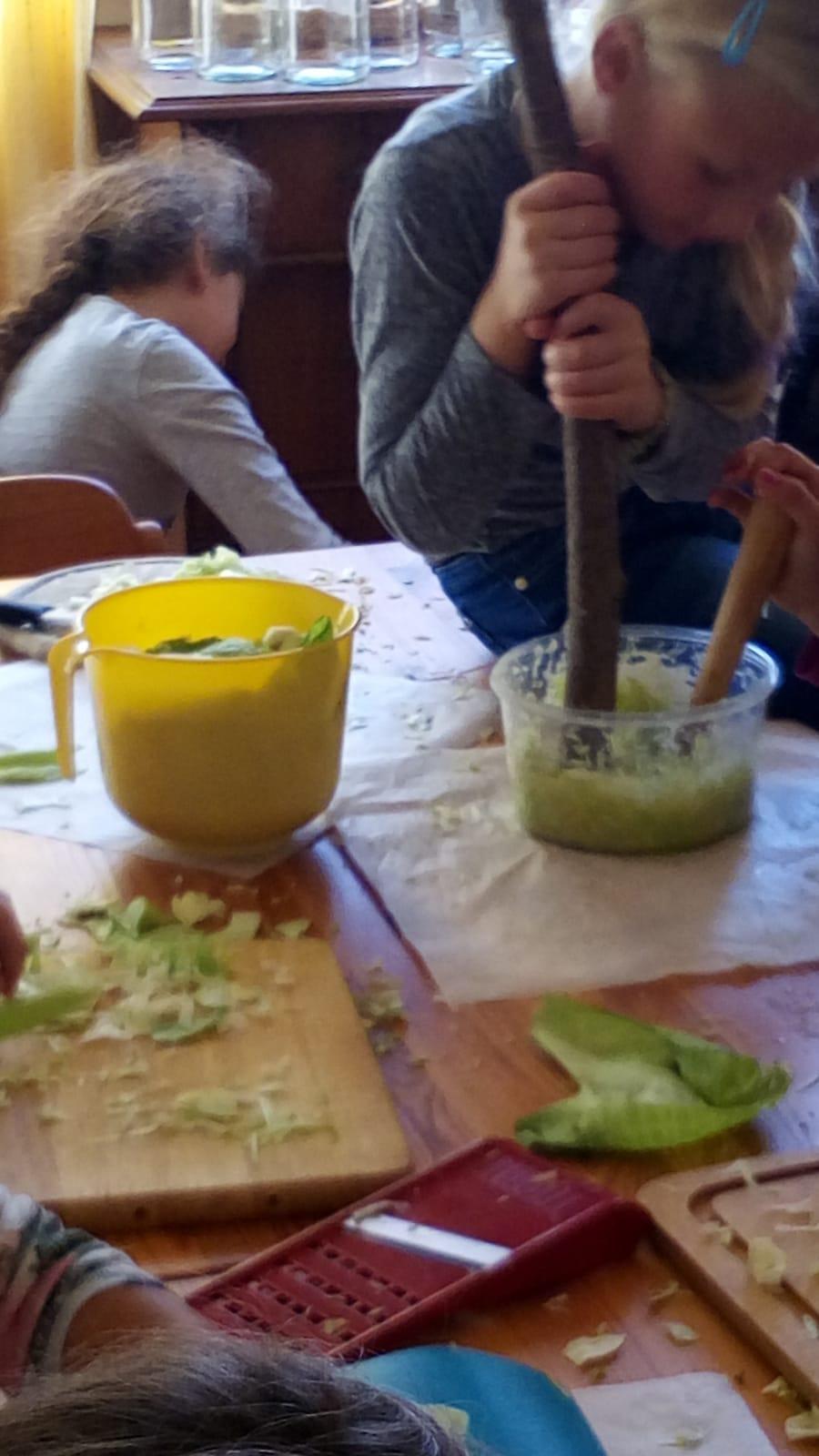 Aus Weißkraut wird Sauerkraut